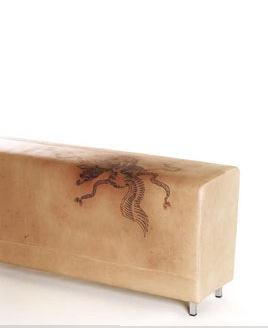 Кожанная мебель с татуировкой